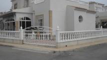 Espacioso casa pareada en Villamartin