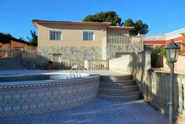 Villa in Südlage in Orihuela Costa