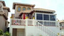 Freistehendes Haus mit Einliegerwohnung