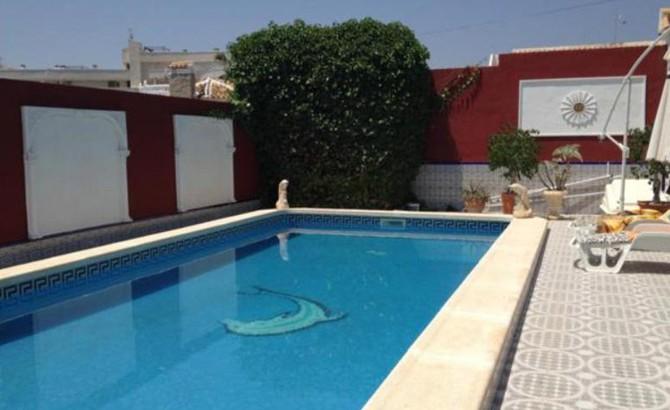 Attractive villa in Villamartin