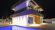 Villa spectacular y moderna con vista al mar en La Nucia
