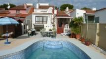 Casa semi adosada confortable en La Nucia con piscina