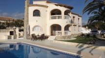 Casa grande con piscina en Calpe