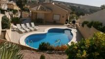 Belle maison à La Marina avec pool