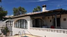 Villa tradicional con apartamento en Moraira