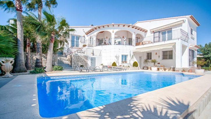 Charming villa with sea views in Benitachell