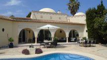 Villa in Marokkaanse stijl met 4 slaapkamers in Javea Costa Blanca